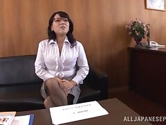 Oversexed babe Emiko Ejima loves rubbing her cunt to the fore of a friend