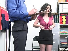 Horny assignment floosie Lyra Lockhart is eager with regard to be fucked clergyman on table