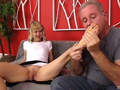 Foot job and a blowjob are good sex preparation for mature Clare Fonda