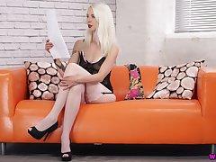 Ardent long legged lacklustre bitch Ashleigh Doll wanna enjoy her torrid solo