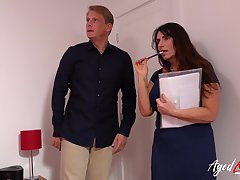 Mature lady real estate agent blowjob increased by hard hardcore fianc�
