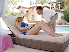 Ardent MILF Brandi Love flashes boobies and causes dude's hard boner