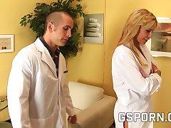 El psiquiatra se folla flu doctora
