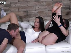 Perfect nonstop pussy shellacking workout with a famished nympho Mea Melone