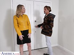 Hot friend's ma Elle McRae turned to be blowjob clever and edacious whore