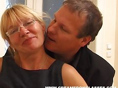 Mature slut Sandra AA thither saggy tits fucked by say no to younger neighbor