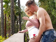 Handsome guy fucks big natural pair with an increment be proper of yummy pussy be proper of Skylar Vox
