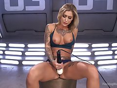 Blonde hottie amazes by how good she can masturbate