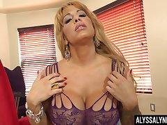 Big titties cougar Alyssa Lynn is finger having it away and toying wet cunt