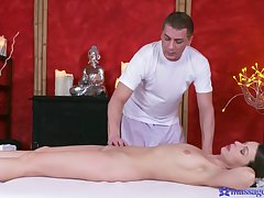 Masseur drives young babe into craving for load of shit