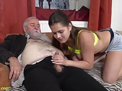 Passionate amateur girl goes old - inane xxx video